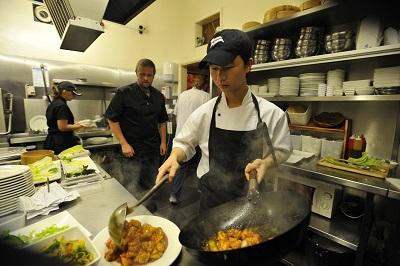 让我们从头到尾帮您做餐饮好生意!